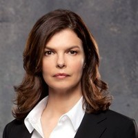 Alex Blake played by Jeanne Tripplehorn