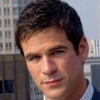 Detective Don Flackplayed by Eddie Cahill