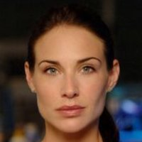 Dr. Peyton Driscoll played by Claire Forlani