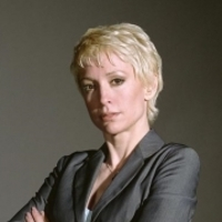 Dr. Elizabeth Renfro played by Nana Visitor