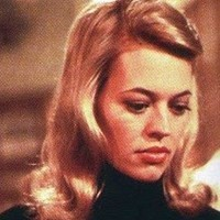 Juliet Stewart played by Jeri Ryan