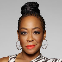 Mo Evans played by Tichina Arnold Image