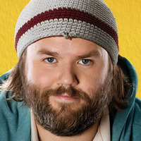 Kevin Pacalioglu played by Tyler Labine