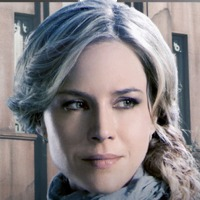 Amanda Rosewater played by Julie Benz Image