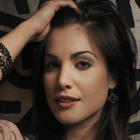 Garbo played by Carly Pope