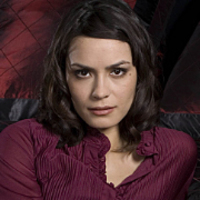 Kira Klay played by Shannyn Sossamon