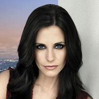 Lucy Spiller played by Courteney Cox