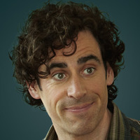 Sean Lincoln played by Stephen Mangan
