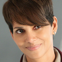 Molly Woodsplayed by Halle Berry