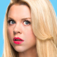 Lauren played by Bailey Buntain