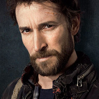 Tom Mason played by Noah Wyle Image