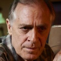Lou Solverson played by Keith Carradine