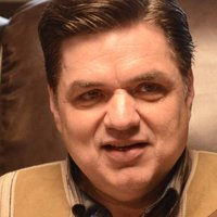 Stavros Milos played by Oliver Platt