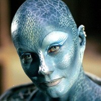 Pa'u Zotoh Zhaan played by Virginia Hey