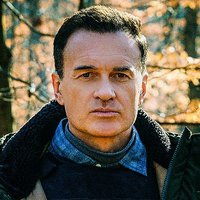Jess LaCroix played by Julian McMahon