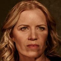 Madison Clark played by Kim Dickens