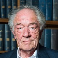 Alastair McKinnon played by Michael Gambon