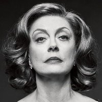 Bette Davis played by Susan Sarandon