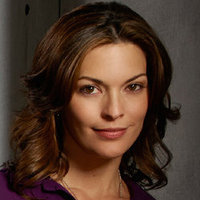 Detective Jo Martinez played by Alana De La Garza