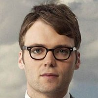 Lincoln Lee played by Seth Gabel