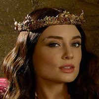 Madalena played by Mallory Jansen