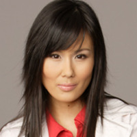 Dr. Kelly Leeplayed by Minae Noji