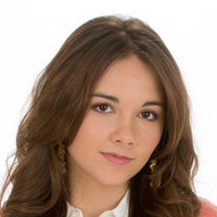Molly Lansing Davis played by Haley Pullos