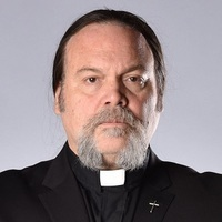 Reverend Dan played by Vincent D'Onofrio
