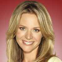 Terri Schuester played by Jessalyn Gilsig