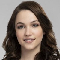Cara Bloom played by Violett Beane