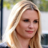 Deb Mckenzie played by Bonnie Somerville