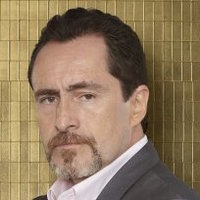 Santiago Mendoza played by Demián Bichir