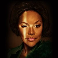 Mae Greenleaf played by Lynn Whitfield Image