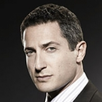 Captain Sean Renard played by Sasha Roiz