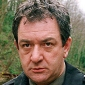 Ken Stottplayed by Ken Stott