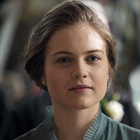 Emma Davidsonplayed by Hera Hilmar