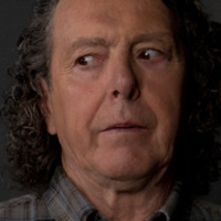 Vince Teagues  played by Richard Donat