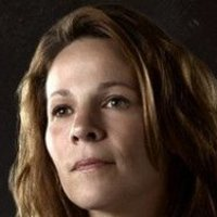 Lynda Rumancek played by Lili Taylor
