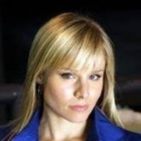 Elle Bishop played by Kristen Bell