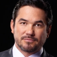 Pete Davenport played by Dean Cain