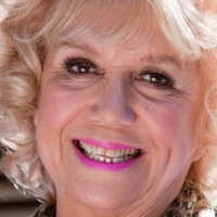 Nana McQueen played by Diane Langton