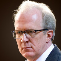 Senator Andrew Lockhart played by Tracy Letts