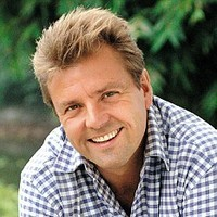 Himself - Presenter played by Martin Roberts
