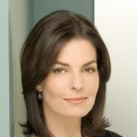 Stacy Warner played by Sela Ward