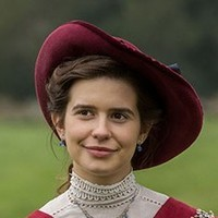 Helen Schlegel played by Philippa Coulthard
