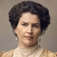 Mrs Wilcox played by Julia Ormond