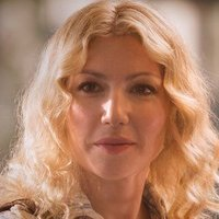Cassie Feder played by Ari Graynor Image