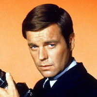 Al Mundyplayed by Robert Wagner