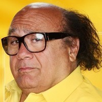 Frank Reynolds played by Danny DeVito