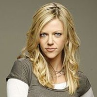 Sweet Dee Reynolds played by Kaitlin Olson